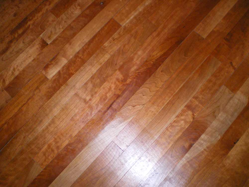 Character grade curly Cherry floor